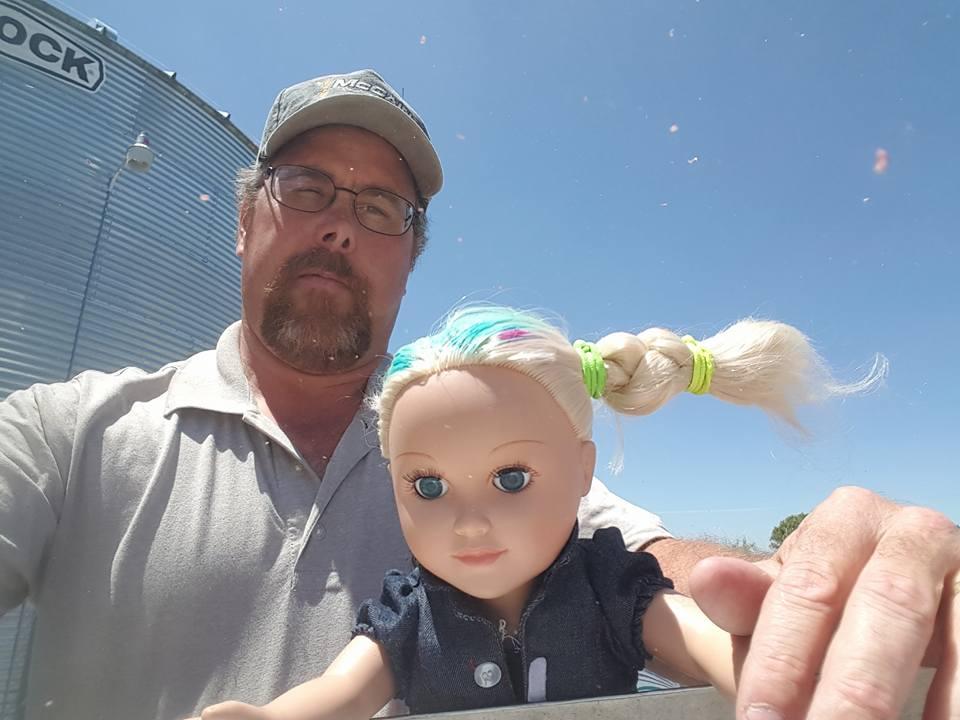 Trucker Goes Viral Taking His Daughter's Doll OTR