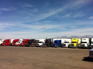 Long Haul Trucking Jobs >> How to Stay Awake While Driving: 10 Tips from Long Haul Truckers - TruckersReport.com